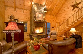 A Rolling River Cabin | Cabin Rentals of Georgia | Stunning Living Area