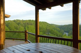 Outlaw Ridge | Cabin Rentals of Georgia | Main Level Deck