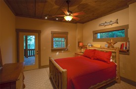 Hemlock Hideaway | Cabin Rentals of Georgia | Queen Bedroom Suite