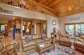 Toccoa Tails | Cabin Rentals of Georgia | Luxurious Furnishings