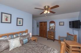 Toccoa Tails | Cabin Rentals of Georgia | Second Queen Bedroom