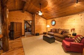 Hemlock Hideaway   Cabin Rentals of Georgia   Spacious Loft
