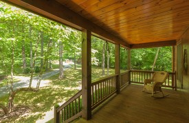 Toccoa Tails | Cabin Rentals of Georgia | Relax On The Deck