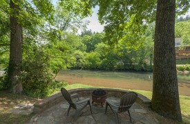 Toccoa Tails | Cabin Rentals of Georgia | Sit By The River